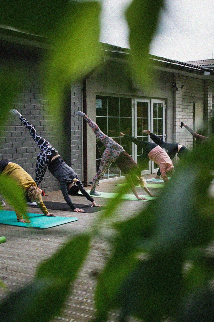 4514 yoga gruppe unsplash