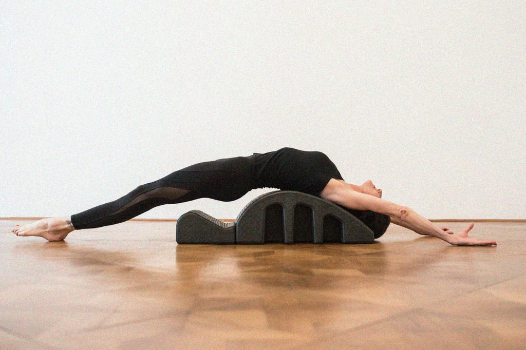 7972 gudrun kohla pilates yoga vienna arc rolldown reach (1)