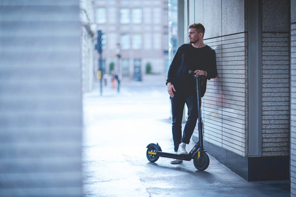 A-TO Ultron Air e-Scooter
